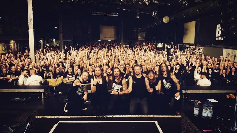 🇩🇪 Danke schön Stuttgart! Tolles und laut🤘#amorphis #queenoftimetour #queenoftimetour2019 #lkalonghorn #soldout https://t.co/QedSc5XWG7