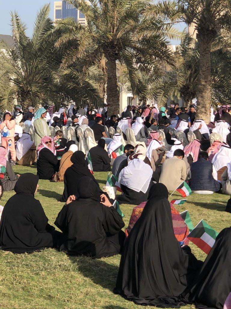 رد: الكويتيون يتوافدون على #ساحة_الارادة للاعتصام السلمي