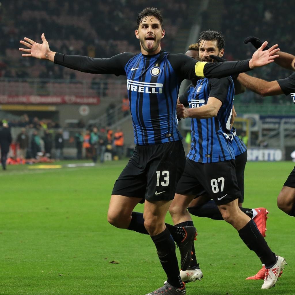 🎂🎉🎊  ⚫🔵 3⃣1⃣ candeline oggi per il difensore dell'@Inter @23_Frog: buon compleanno!