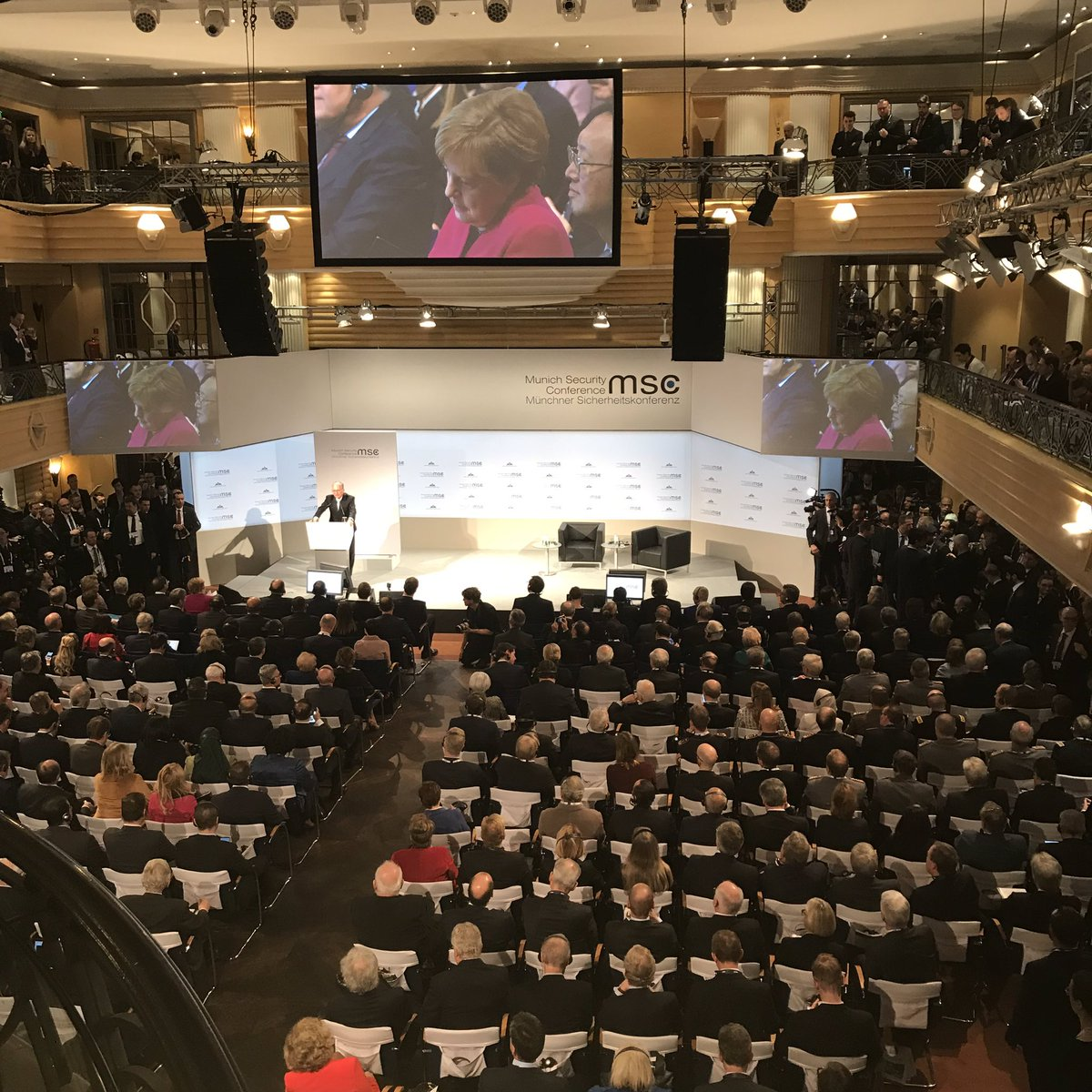 @ischinger points out that the #MSC2019 has largest Congressional presence ever. Welcomes Speaker Pelosi at her first attendance @MunSecConf.