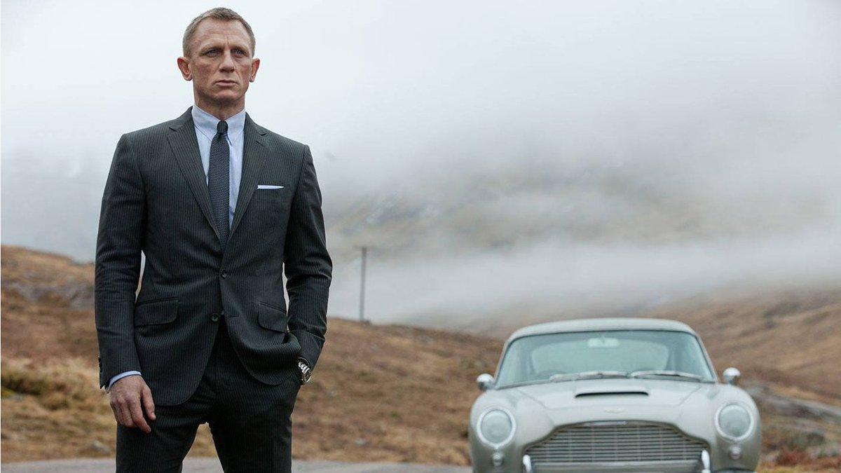 Wait for 'Bond 25' just got longer http://dnai.in/fWLX