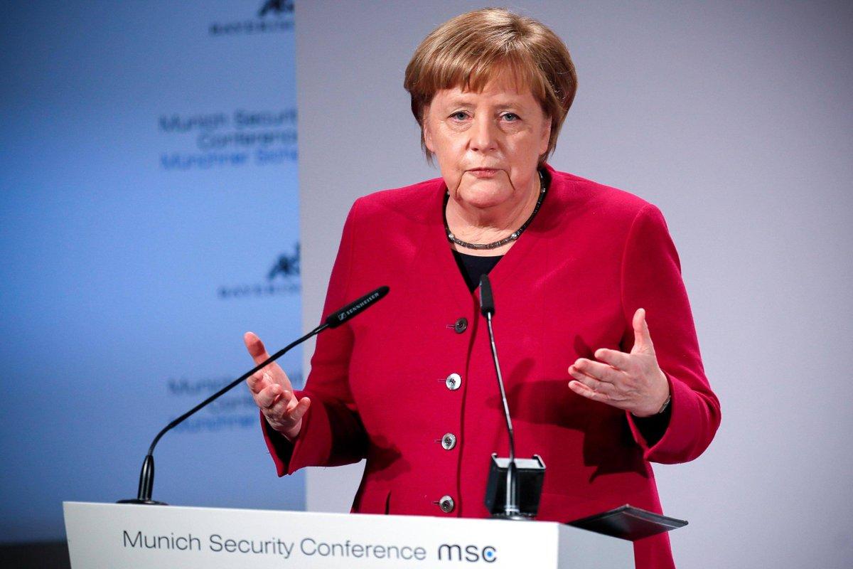 #Merkel : la Nato assicura la nostra stabilità. Pechino partecipi alle intese sul disarmo. La cancelliera tedesca parla alla Conferenza di Monaco sulla sicurezza: #iria , il ritiro Usa rischia di aumentare l'influenza  di Russia e Iran →https://t.co/X3bINxVy8Z