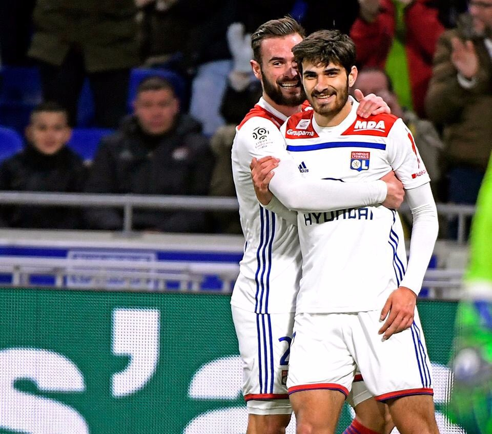 3⃣ points importants. Maintenant tournés vers le Barça 👀💪 #TeamOL
