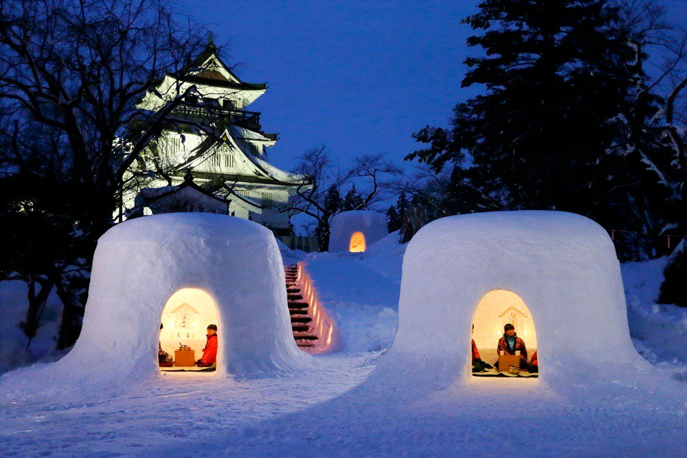 In mid-Feb, you'll see an amazing cityscape full of igloo-like snow houses called #kamakura & their miniatures glowing warmly upon the snow in Yokote City of Akita Prefecture. The city is celebrating its 450 years of tradition w/ its annual snow festival: https://bit.ly/2E8nQoG