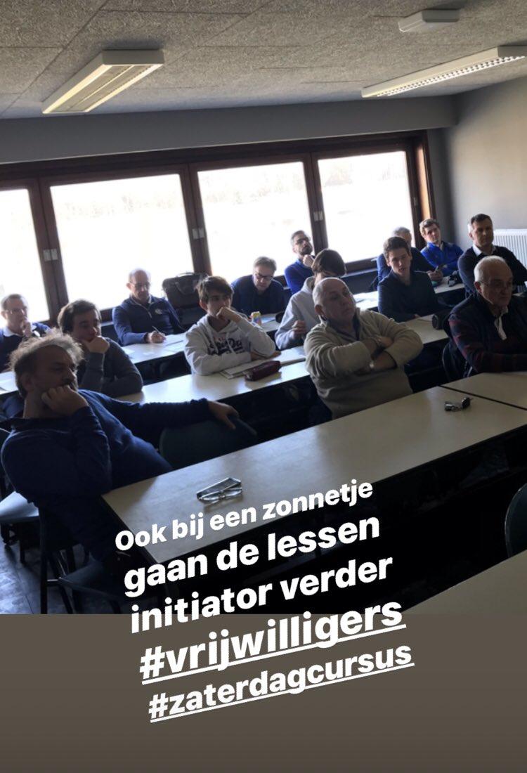 Initiator golf 👍 #vrijwilligers #zaterdagcursus https://t.co/I4QDE3mrz2