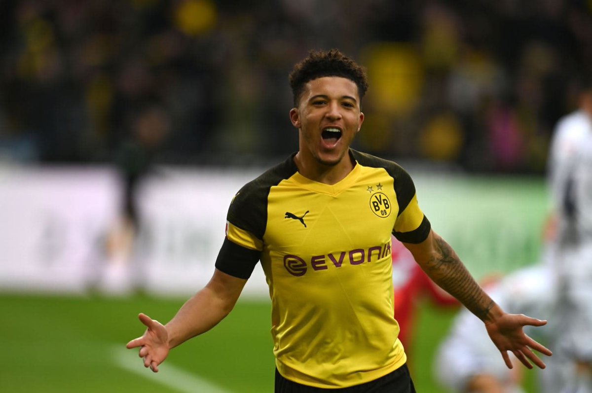Manchester United have made an approach for Borussia Dortmund winger Jadon Sancho, who is valued at £70m. (The Sun)