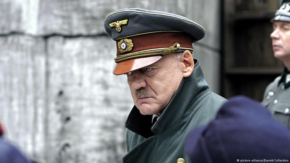 Morreu hoje, aos 77 anos, o suíço Bruno Ganz, um dos maiores atores de língua alemã da história. Um dos seus papéis mais famosos foi o de Adolf Hitler no aclamado filme 'A queda', que mostra os últimos dias do ditador nazista em seu bunker em Berlim.  https://t.co/SOOQEtRPfB