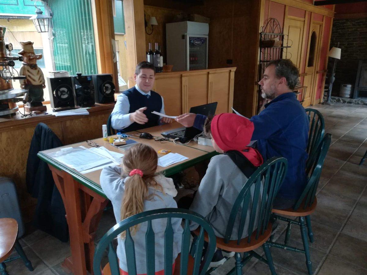 Bella ed intensa giornata di #FunzionarioItinerante nella Provincia della #TerraDelFuoco!Obiettivo è essere sempre più vicini ai nostri connazionali in tutta la #Patagonia migliorando l'offerta dei servizi consolari @LuigiVignali @beppemanzo @APetrarulo @ItalyMFA @ItalyinARGpic.twitter.com/ybGzrePsPY