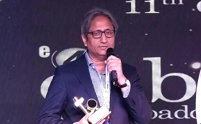 """WATCH   NDTV and its journalism stand apart from """"the bheed"""":  Ravish Kumar's speech at #enbaAwards https://t.co/CnENeIIWHa"""