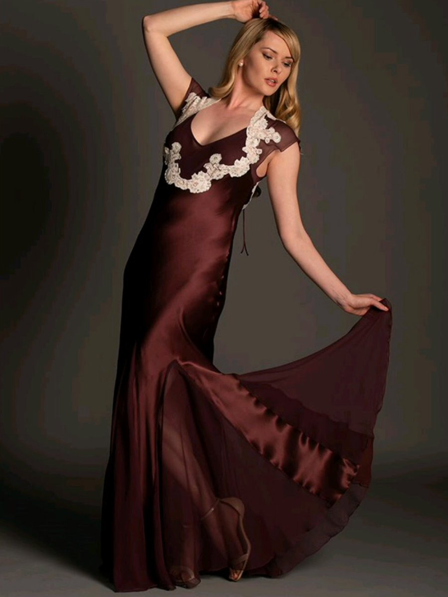 c9c8a1e1a2 Dancing the weekend away ! Nightdress or Evening Dress ? Silk Robe. French  Lace.