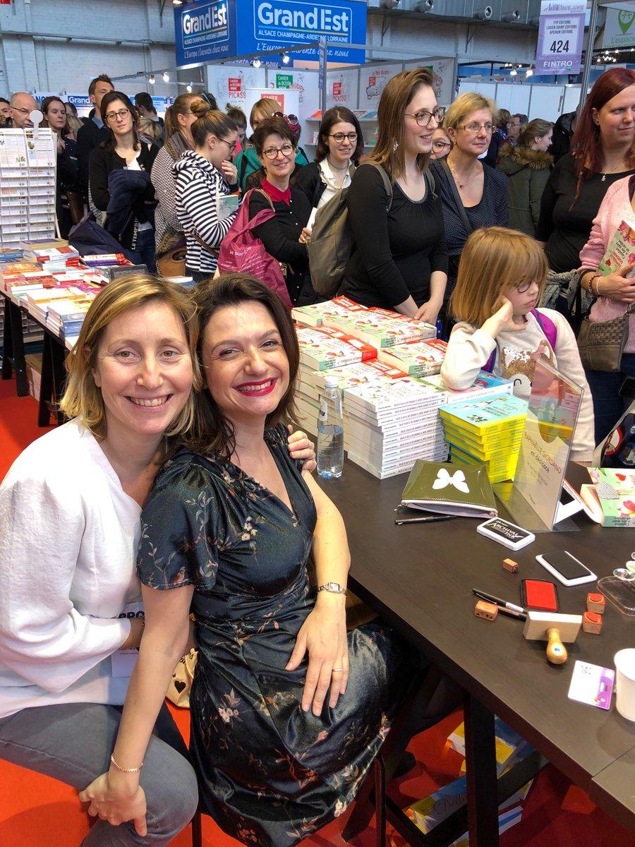@giordano_auteur Raphaëlle Giordano et Caroline Lamoulie son éditrice @EditionsPlon @Eyrolles au salon du livre de Bruxelles.joyeux Cupidon.