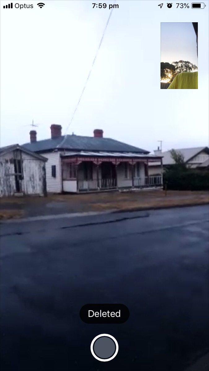 @Zerqns #1besthouseINtheworld nice ur house looks like a it was bulit with sticks😂😂😂