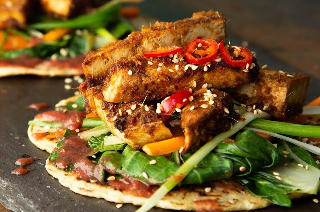 Checkout our Crispy Fried Teriyaki Tofu with Plum sauce and Chinese pancakes. They have an amazing combination of flavours and textures and are really easy to prep with the sauces lasting well over a week in the fridge - https://t.co/oIQaryC9xf #vegan  #plantbased
