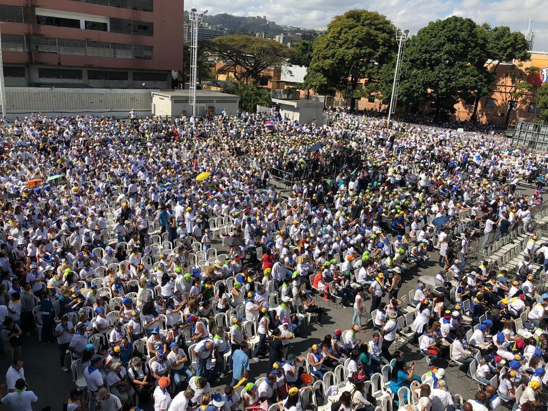 Maduro: Si algo me pasa, ¡retomen el poder y hagan una revolución más radical! - Página 8 DzieKIRWsAI2F7l