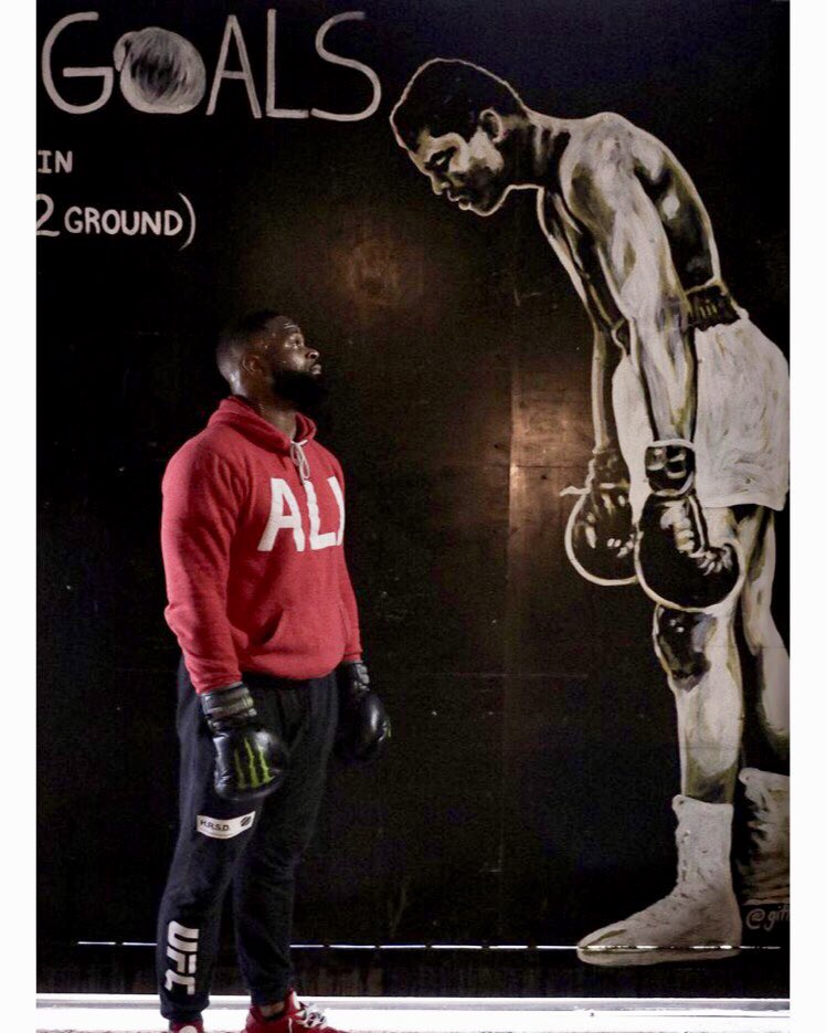 I can't ease up! The greats are watching!!! @muhammadali #ali<br>http://pic.twitter.com/KS3wd1ZKt1