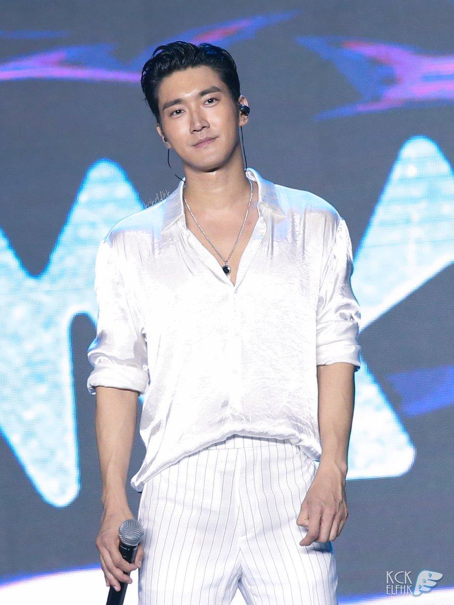 🤩 #Siwon #시원 #최시원 @siwonchoi  181124 K-Concert in Macau #슈퍼주니어 #슈주 #SuperJunior #SJ  Original pics👇🏻 http://kckelfhk1.tistory.com/27