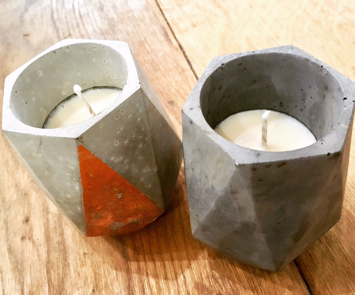 Phew! It's been so busy this week in the workshops that we didn't get chance to post any pictures of yesterday's gorgeous candles workshop with the wonderful @darnitworkshops - the next one is on Thursday 14 March (2-4pm) if you'd like to give it a whirl! ✨