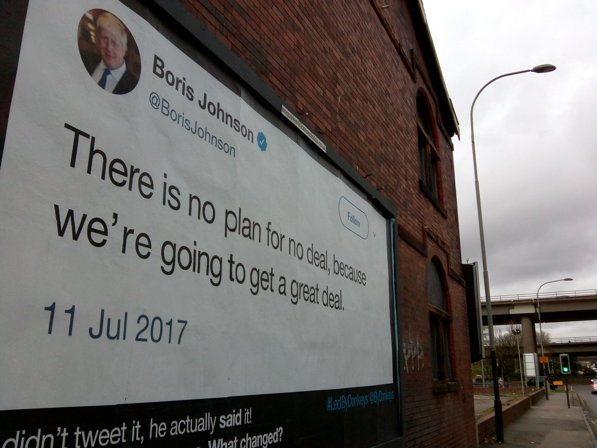 Couldn&#39;t resist to walk up to Cowcaddens after our @GlasgowlovesEu campaigning to have look. Great place for the poster facing the high rises at Cowcaddens. @ByDonkeys<br>http://pic.twitter.com/0Dp00pRiq1