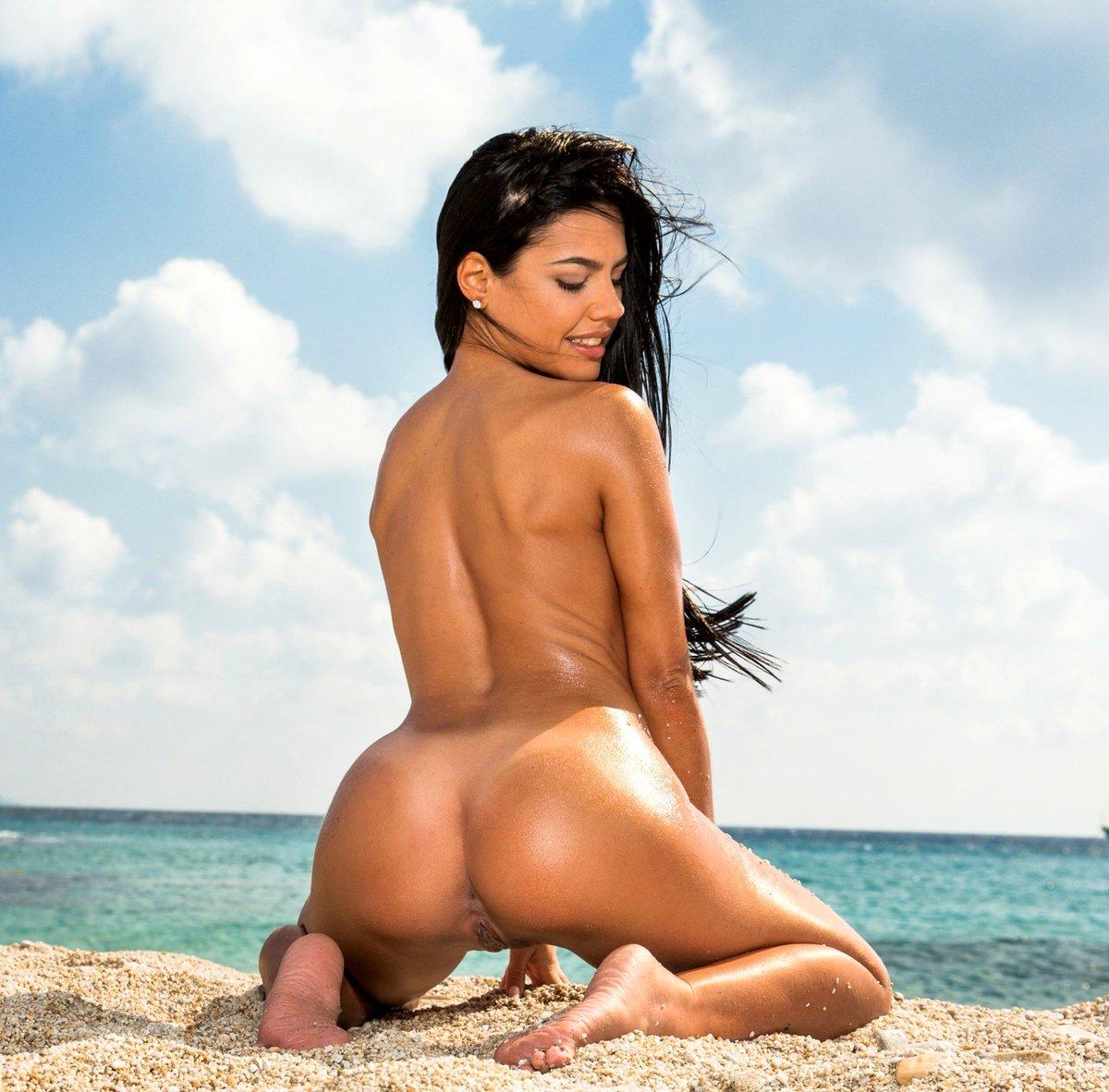 APOLONIA LAPIEDRA's photo on Pablito