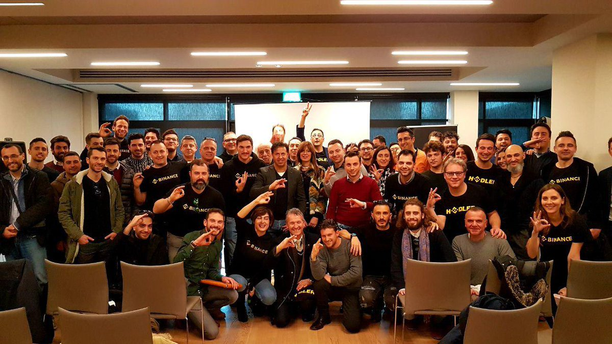 Grazie a tutti per aver partecipato al meet up di Bologna! È stato fantastico! Shout out to our incredible @BinanceAngels , our wonderful community manager @luciaq84 and of course the $BNB HODLers! #BinanceIsGlobal  Join the #Binance Italian Telegram here: https://t.me/BinanceItalian