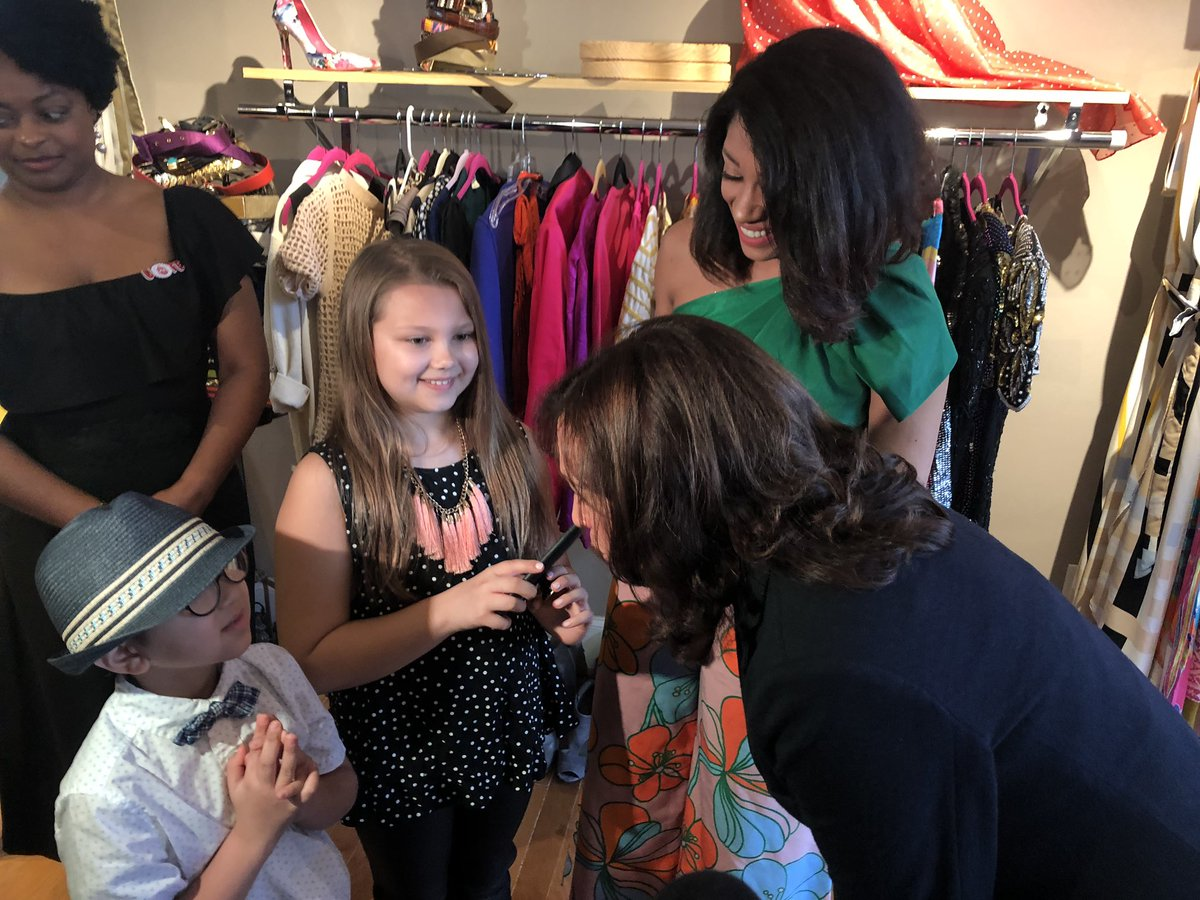 Charm alert! @KamalaHarris woo'ed by these children in Columbia, SC. Harris meeting Black women-owned small biz owners. Astonishing stories of women raised in foster care who now give back to their SC communities. Black women key to winning SC's primary