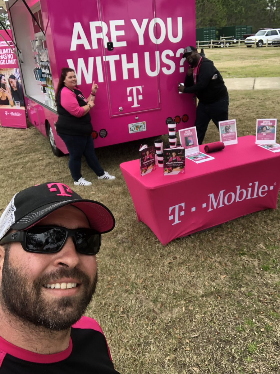 Here with your favorite truck squad @ the 2nd Annual Panama City Beach Food Truck &amp; Craft Beer Festival. Come check us out and grab a quick bite to eat. #magenta850 #beepbeep #TruckLife #AreYouWithUs #PowerOfLove @jboy1724 @bnash001  @JohnLegere @JonFreier<br>http://pic.twitter.com/DGy3LT5YrJ