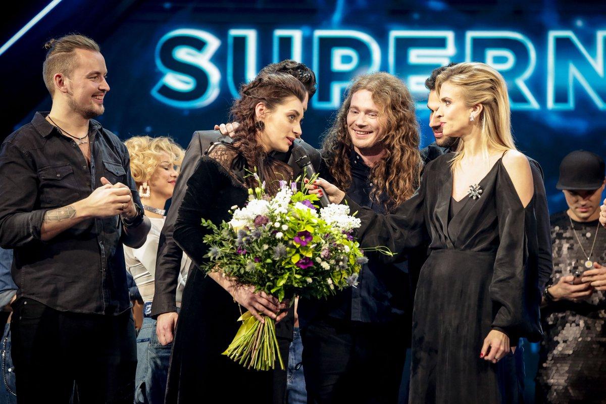 """Konkursā """"Supernova 2019"""" uzvarējis un Latviju 64. starptautiskajā Eirovīzijas dziesmu konkursā Telavivā pārstāvēs duets """"Carousel""""! Apsveicam! #ltvsupernova #supernova2019"""