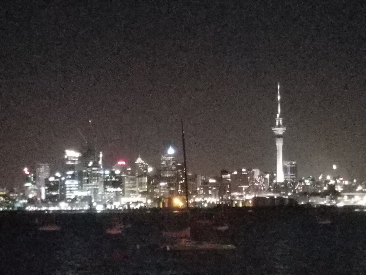 Took the students out on the town Friday night. @TOKSFALE showed everyone some great views of #Auckland https://t.co/KswuNxc7Tl