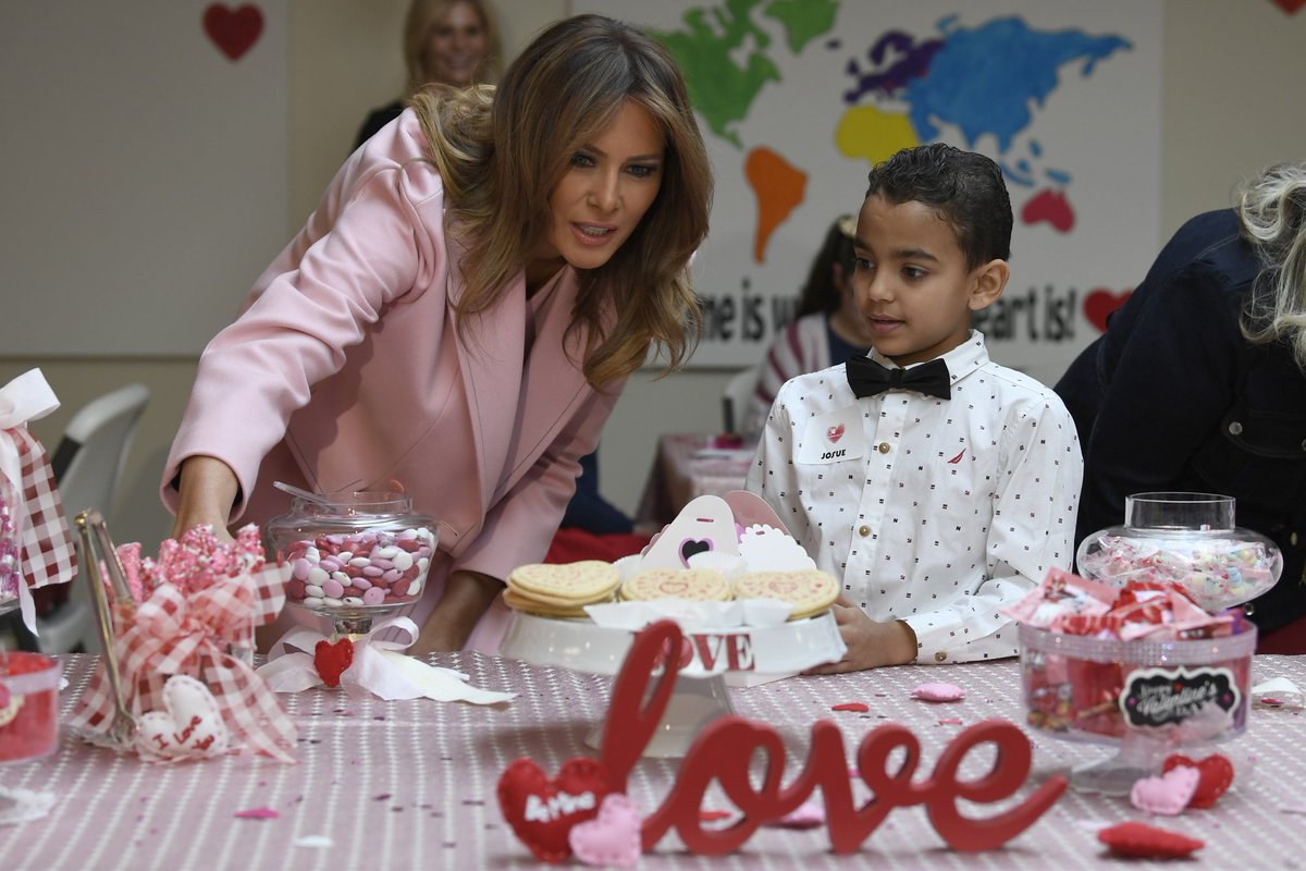 #ICYMI: @FLOTUS makes #ValentinesDay art with pediatric patients in Maryland https://t.co/Qbj1GPAR0v