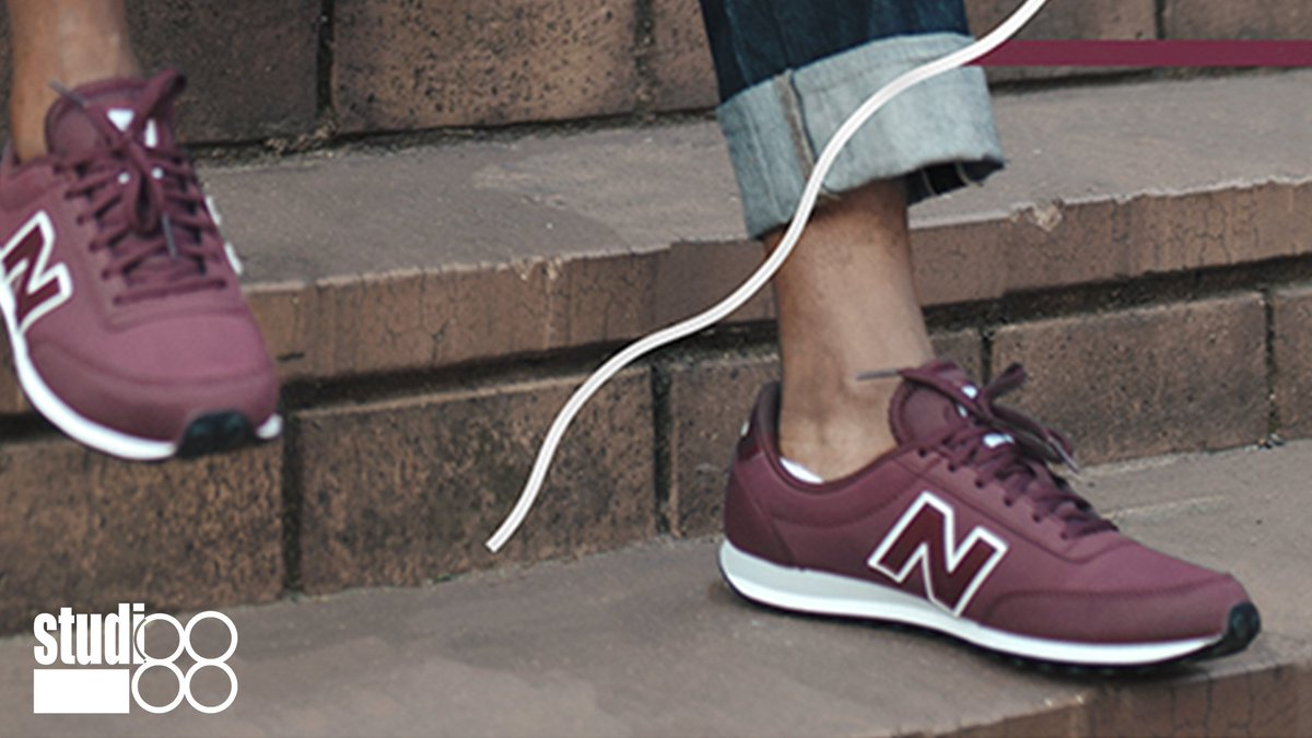 10da7e6880dfa2 Set your pace in style when wearing the  NewBalance ZA 410 classic. Wear  them with