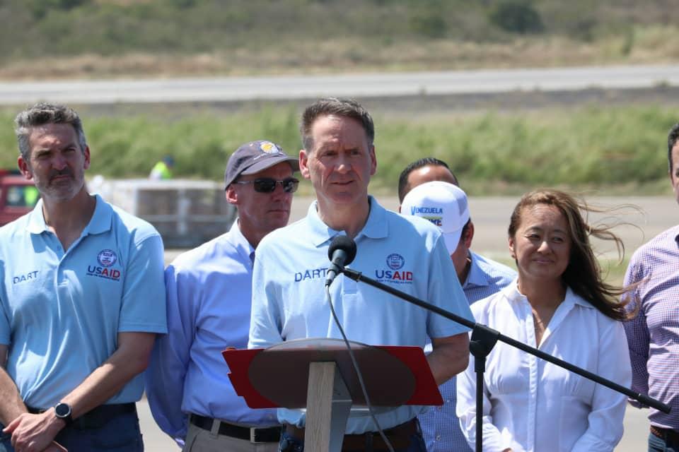 #16Feb Mark Green, director de la USAID: la ayuda que acaba de llegar ha llegado bajo solicitud del presidente interino Juan Guaidó y en coordinación con el gobierno de Colombia