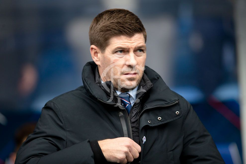 "🗣️""I never had any leaders and I never had anyone who wanted to grab the game by the scruff of the neck and really win a football match.""  Read more from Steven Gerrard 📲 https://rng.rs/2IgaVVS"