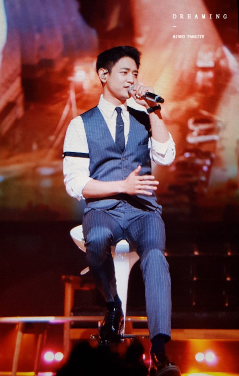 SM BETTER GIVE MINHO A SOLO ALBUM WHERE HE WEARS SUITS LIKE THIS AND ITS NOT GOT THIS 2000S NEYO/USHER/JASON DERULO VIBE <br>http://pic.twitter.com/3aAgGJkJ6x