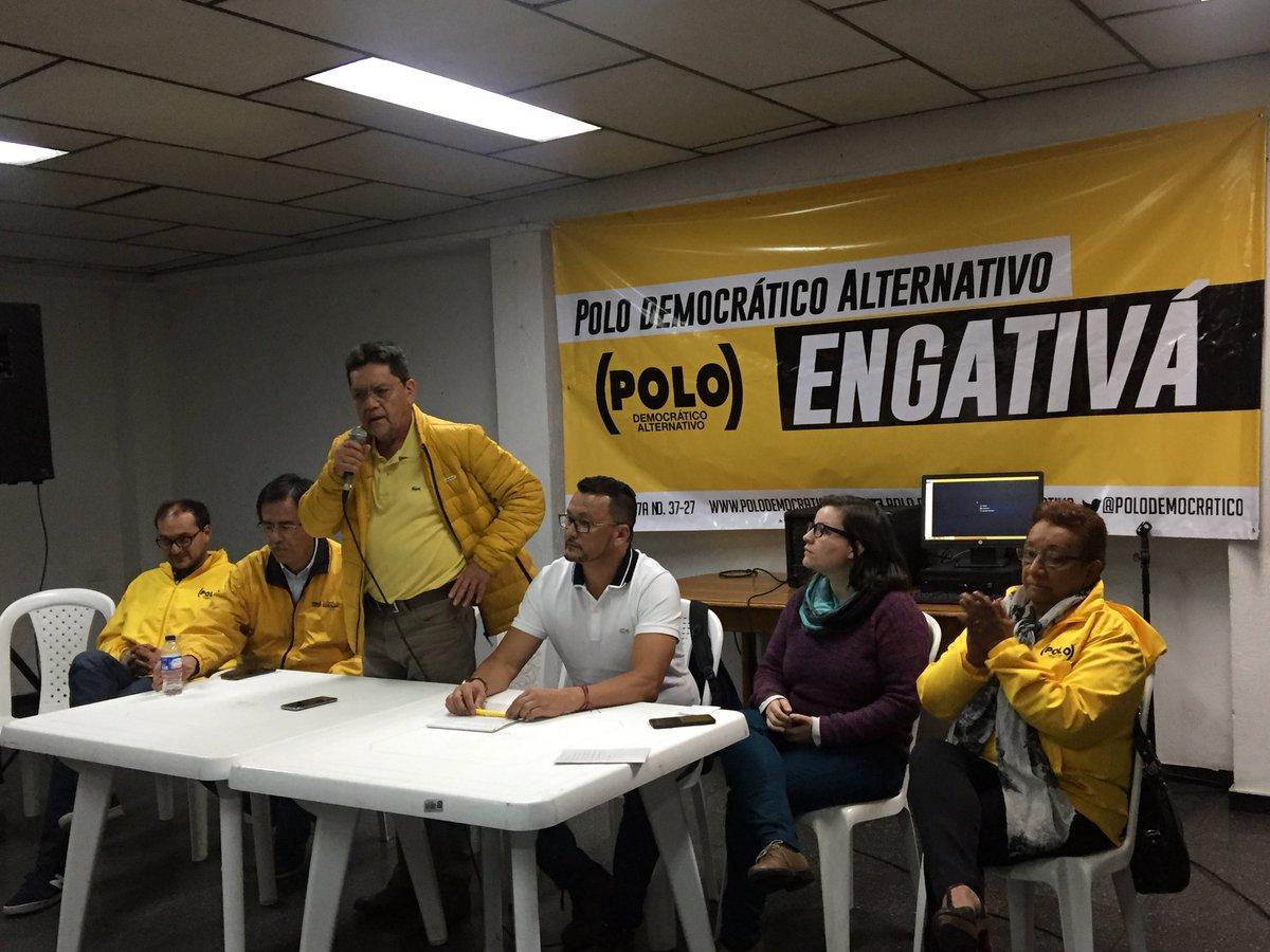 Con una gran asistencia damos inicio a nuestra asamblea local de Engativá. Con la instalación del concejal y presidente del Polo @alvaroargote empieza este gran encuentro de amigos, simpatizantes y activistas del partido #ElPoloConLaGente