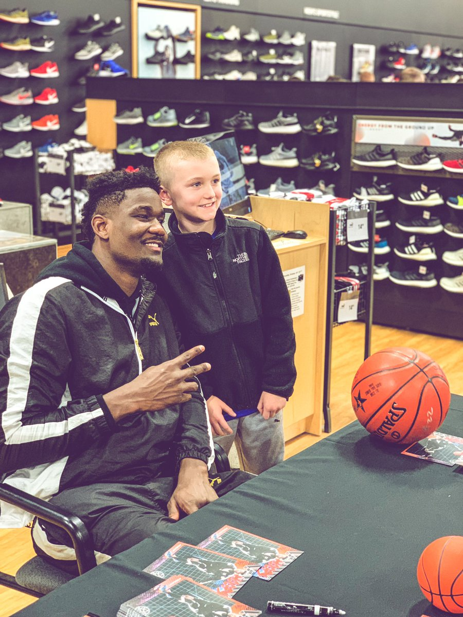 Deandre Ayton meets with some of his biggest, little fans @NBAAllStar during the @PUMAHoops PUMA UPROAR release event! – at Dick's Sporting Goods