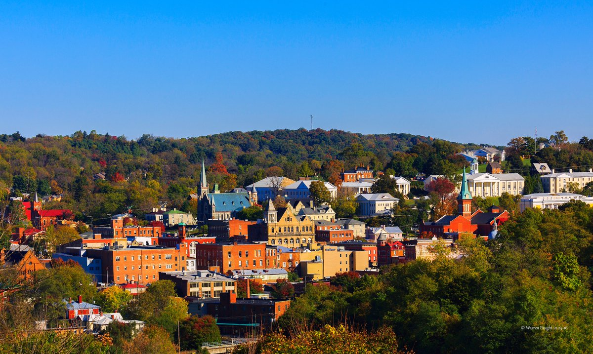 Did you know that can @Amtrak can deliver you to gorgeous, historic downtown @Staunton Virginia? It's a perfect getaway for architecture and theater lovers! #EnjoyTheJourney #SeeWhereTheTrainCanTakeYou @AmtrakVacations #LoveVA #travel #tourism #vacation #arts
