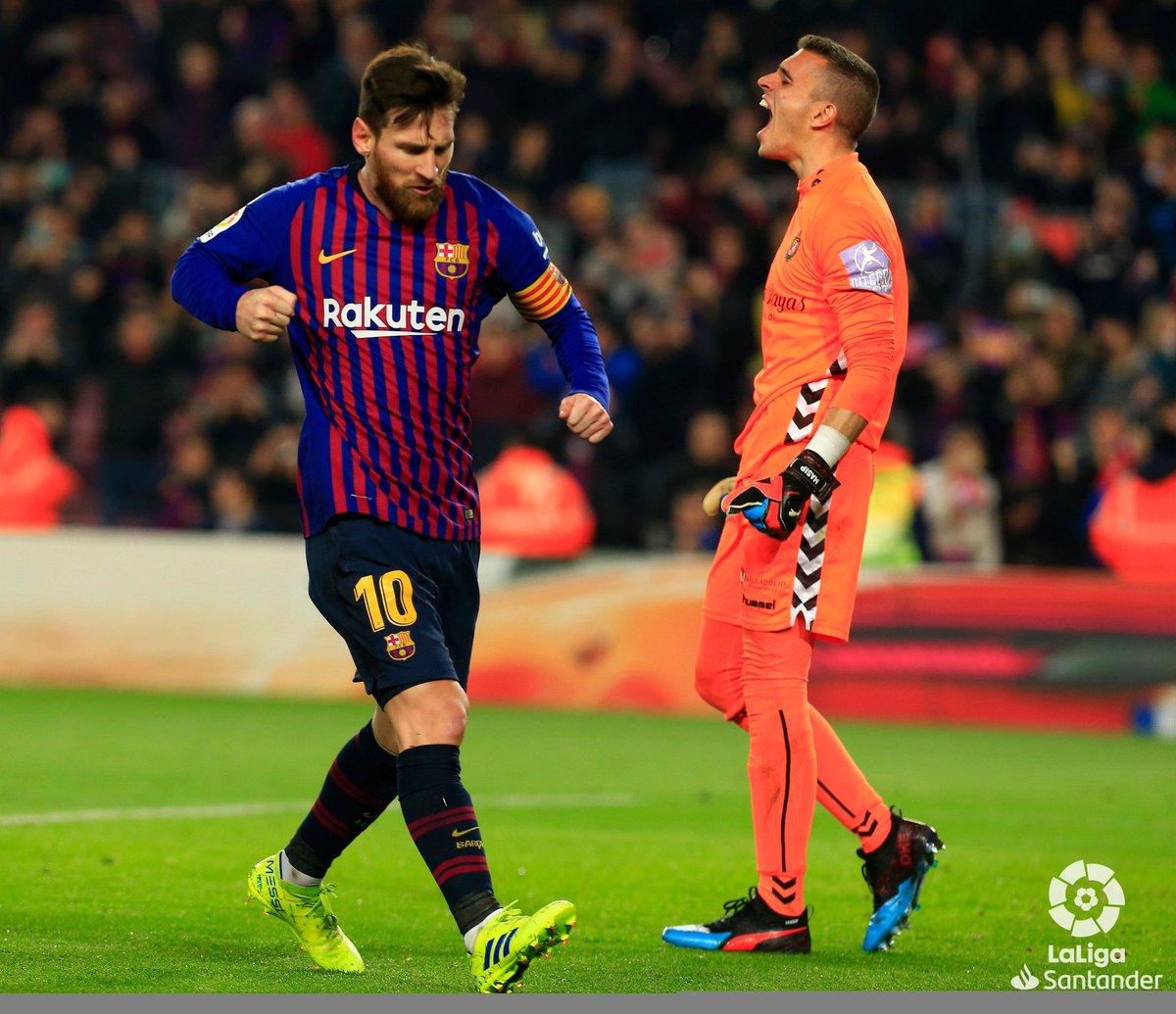 #LaLiga | #BarçaRealValladolid  Un pénalty signé Léo Messi et le Barça s'impose 1-0 face à Valladolid ! Les Catalans poursuivent leur chemin en tête. 🔝