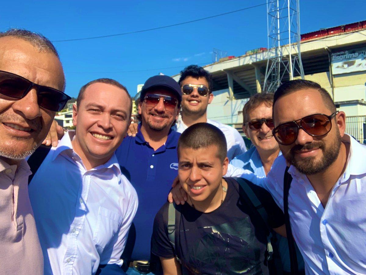 Señores @LigaProEC, por si acaso, esta foto la tomé fuera del estadio, constan los cracks @diegomelop @PatricioJDiaz @andevillamarin @EdwinMSalazar @WilliamDavilaB y el Juan Fran.#LigaProBdP #DesdeLasCanchasEc