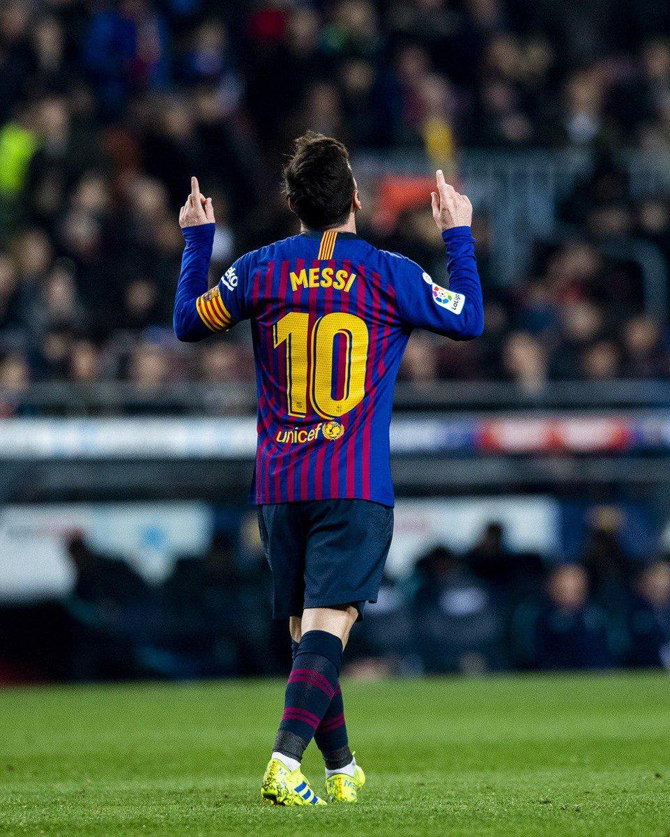 👑 Leo #Messi:  1⃣1⃣ temporadas seguidas marcando pelo menos 3⃣0⃣ gols na temporada 😎  2008/09: 38 ⚽ 2009/10: 47 ⚽ 2010/11: 53 ⚽ 2011/12: 73 ⚽ 2012/13: 60 ⚽ 2013/14: 41 ⚽ 2014/15: 58 ⚽ 2015/16: 41 ⚽ 2016/17: 54 ⚽ 2017/18: 45 ⚽ 2018/19: 30 ⚽   🔵🔴  #ForçaBarça