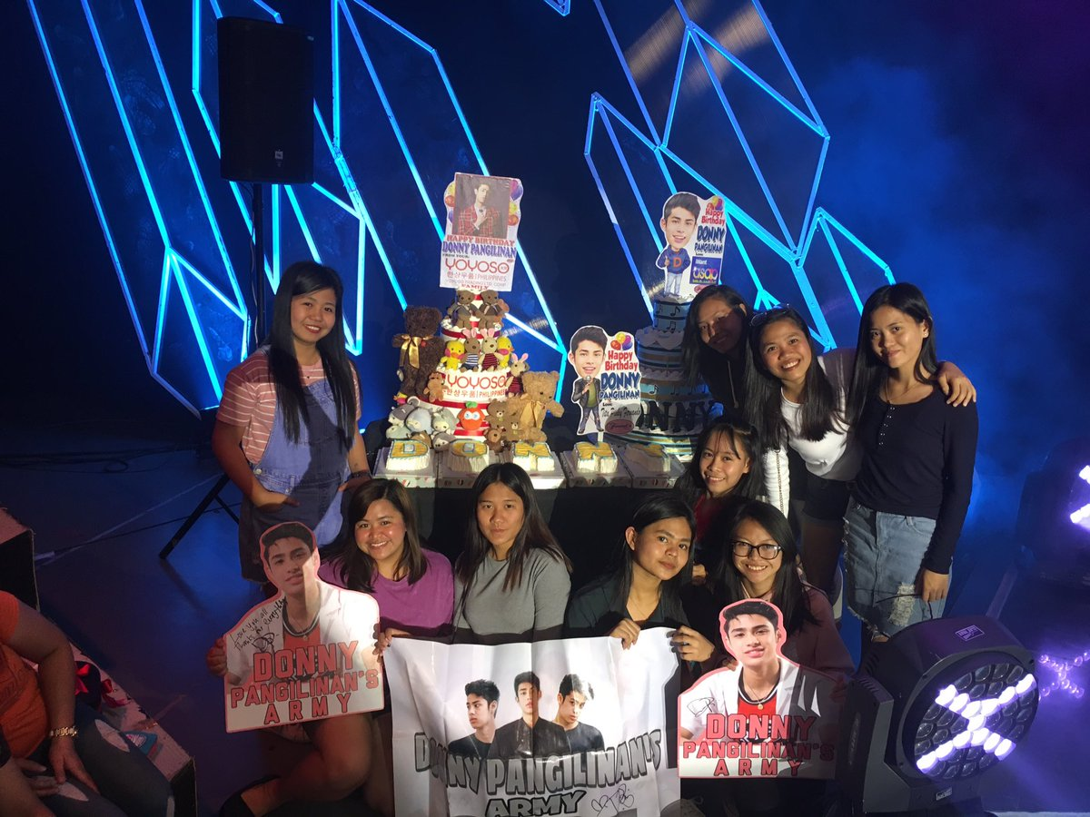 Donny's cake with us!!!  #DONNYiWantASAP <br>http://pic.twitter.com/goM2DEtoFZ
