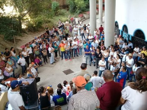 #16Feb #Mérida Conformación de la Brigada Humanitaria en el municipio Tovar #VoluntariosXVzla @VoluntariosxVe  #AyudaHumanitaria  - @jquinterocomuni