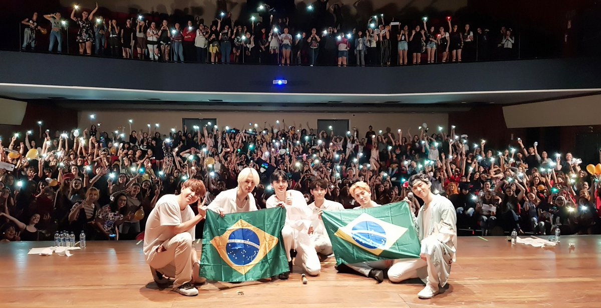 [#TODAY_VAV] #190216 #VAV2019MeetNLive #SenoritaLatinTour #Brazil #VAV #브이에이브이 We had a lot of fun, didn&#39;t we?!? Obrigado, #Goiania VAMPZ  #SenoritaTour #라틴투어 #브라질 #VAMPZ #뱀즈 #Obrigado<br>http://pic.twitter.com/HeJ2pu0rx5
