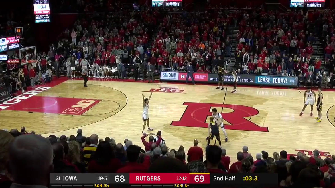 HAIL MARY FOR THE WIN!  Joe Wieskamp goes off-glass from the corner! 🚨 @IowaHoops