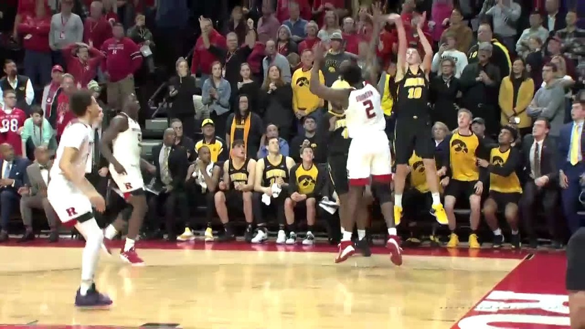 Hawks Use Buzzer Beater for Win at Rutgers