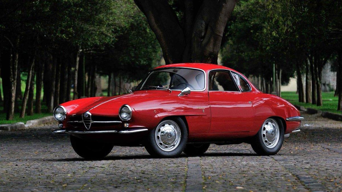 ... Good Morning…  With .... Alfa Romeo Giulietta  ....Sprint Speciale   ... A Great Sunday   #GoodMorning #MorningSunday #Friends #AfaRomeo #SS #Bertone<br>http://pic.twitter.com/nM28r3g0KO