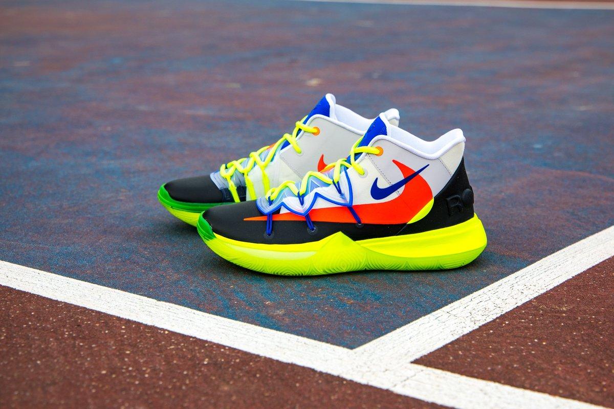 """Nike Kyrie 5 """"ROKIT""""  FREE SHIPPING  BUY HERE: http://bit.ly/2V2j8hW  #NIKE #NBAAllStar #KyrieIrving"""