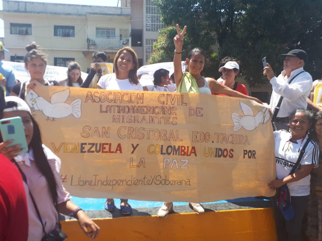 Maduro: Si algo me pasa, ¡retomen el poder y hagan una revolución más radical! - Página 8 DzlLfuoXgAE-5W0