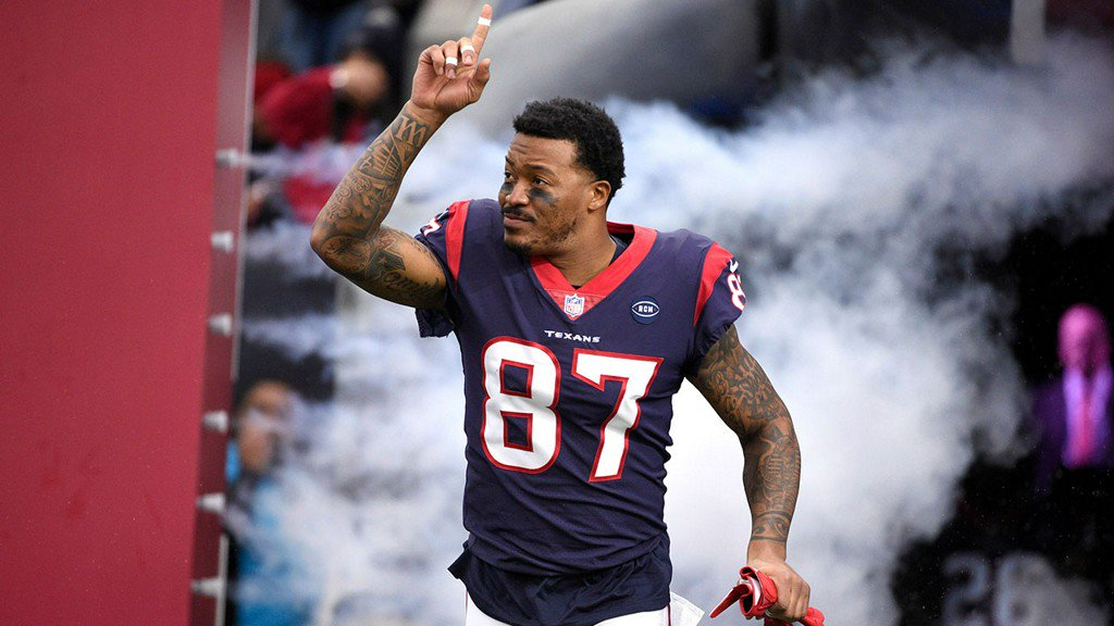 Former Texans WR Demaryius Thomas hospitalized after crash https://t.co/LH4ZmEjbip