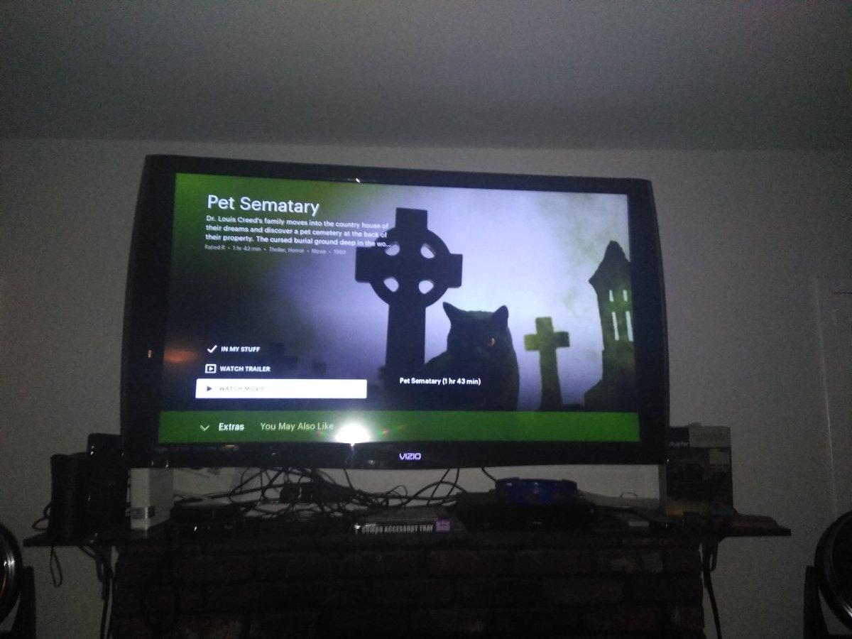 My followers have spoken gonna smoke some bowls and watch Pet Sematary for the first time with the Homie <br>http://pic.twitter.com/766OauMCsO