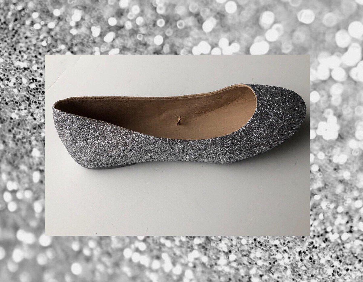 e5dc4dd24b0c ... Shipping  JCoDanseur Shoes  kittypawsshoes  women  shoes  glitterflats   silverflats  kittypawsshoes https   etsy.me 2NhDO2R pic.twitter .com x4Zh4l7hI5